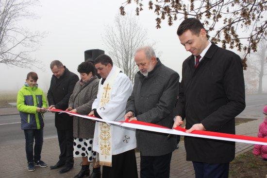 25 listopada 2016 r.- Uroczyste otwarcie chodnika wChrzanie