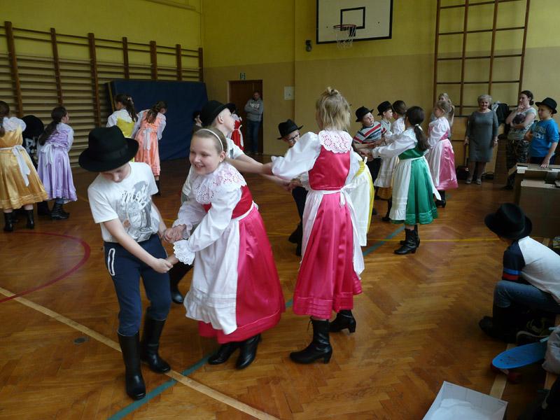 Żerkowska Akademia Tańca Ludowego - młodzi tancerze z zespołuSzwajcaria Żerkowska mają już wczym tańczyć!